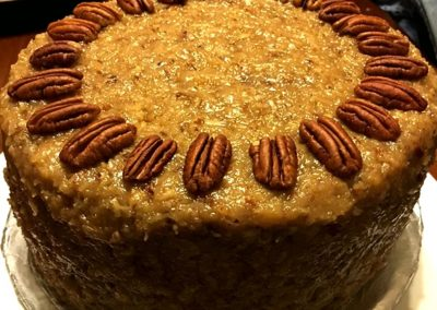 cake with pecans