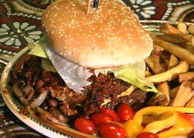 sandwich vegetables fries